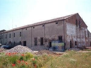 Carbonara di Po - Mantova - Ripristino immobile commerciale con eliminazione problemi di umidità
