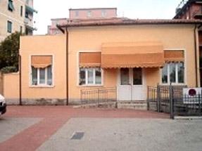 Lerici - La Spezia - Eliminazione umidità di risalita locali piano terra edificio pubblico con deumidificazione elettrofisica
