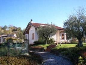 Montefelicino - Pesaro Urbino - Eliminare problemi umidità muri piano terra in abitazione con giardino