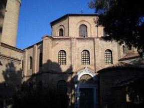 Via San Vitale - Ravenna - Eliminazione umidità di risalita per beni architettonici di pregio senza interventi invasivi